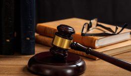 Суд підтримав позицію Держпраці про притягнення до адміністративної відповідальності керівника за порушення термінів виплати заробітної плати